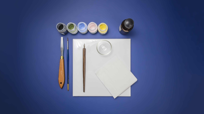Materiali per iniziare a dipingere su porcellana